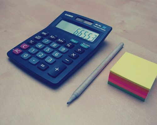 calculator-numbers-accounting-finance